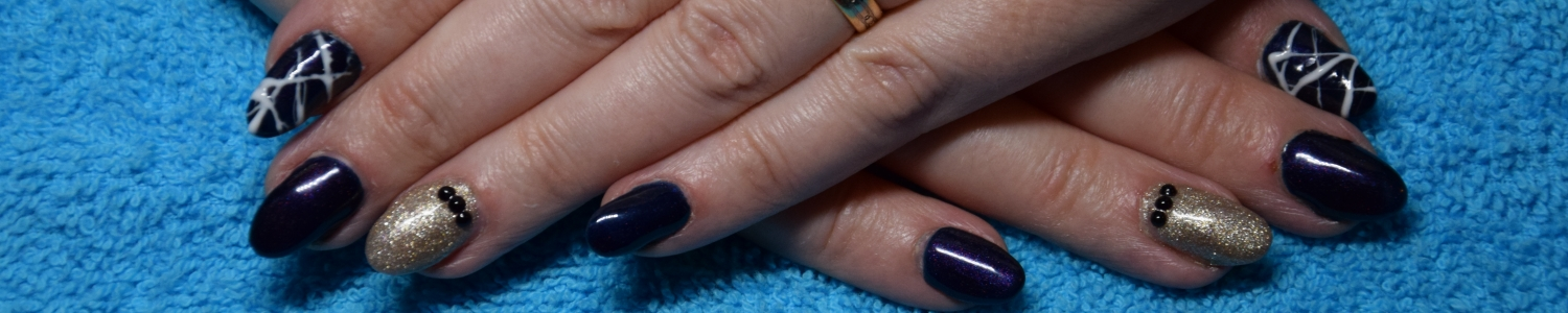 Gelish Deep Sea en Ice or No Dice, spidergel wijsvingers (foto: A. Devel)